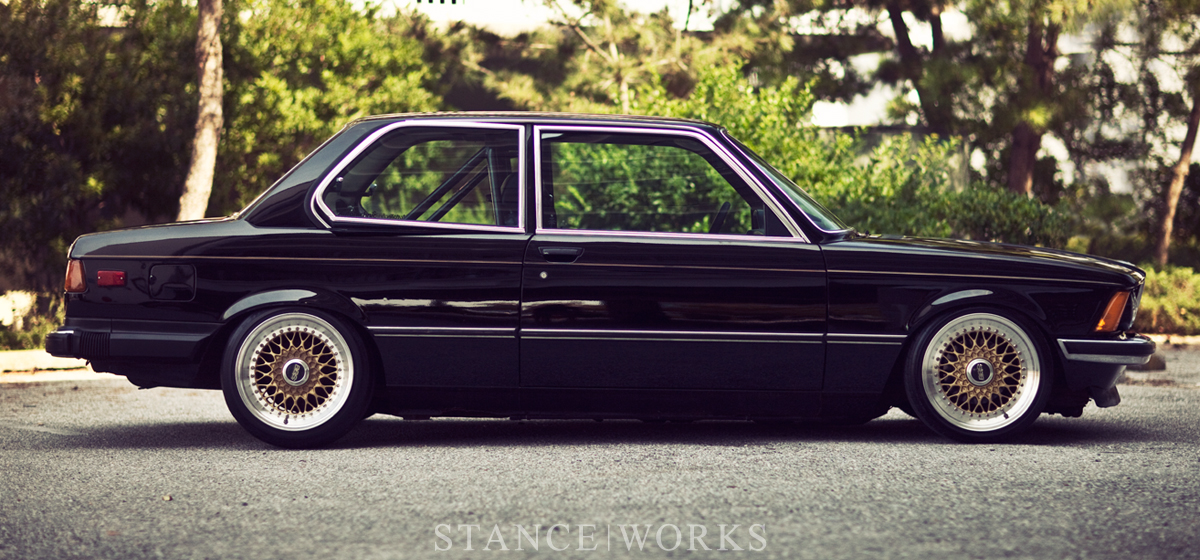 Photos Artistique de BMW ! ! ! - Page 5 E21-bbs-rs-slammed-title1