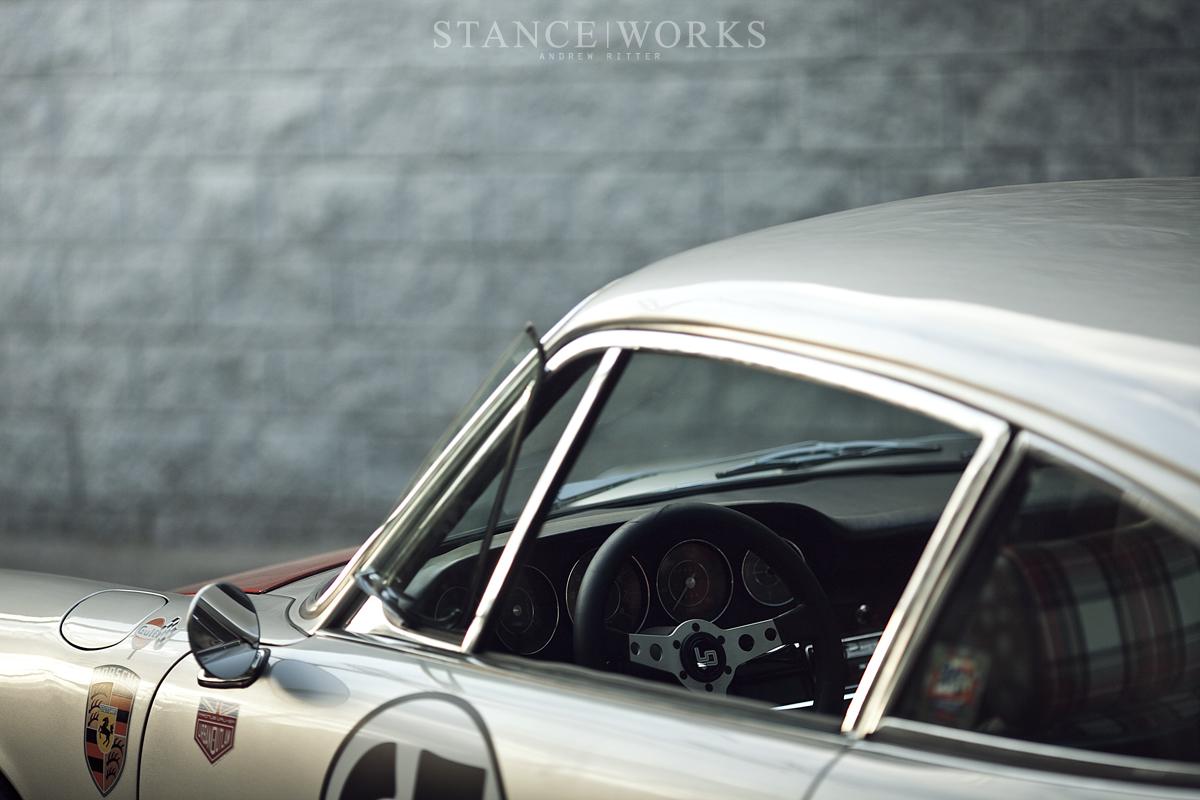 Magnus Walker MOMO Steering wheel urban outlaw (9)