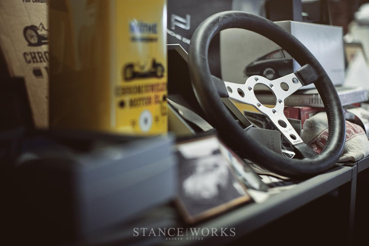 Magnus Walker MOMO Steering wheel urban outlaw (6)